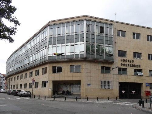chaussée de Boondael, le bureau de poste  17 08 2014 © delirurbain